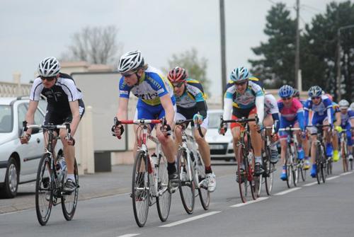 Première course de la saison à Hérin
