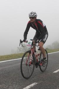 Dans la montée du Tourmalet, sous le brouillard