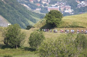 Le peloton de l'Arvand-Villards dans la montagne