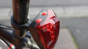 Deux boutons pour un feu de vélo innovant
