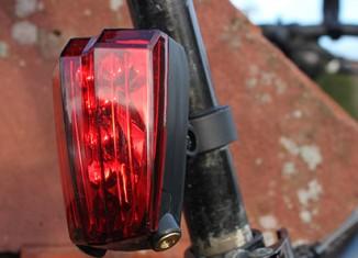 Feu arrière avec bande cyclable lumineuse