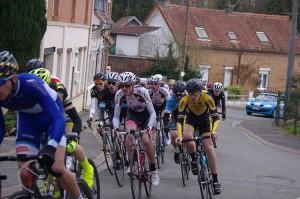 Dans le peloton au départ à Ablain St Nazaire
