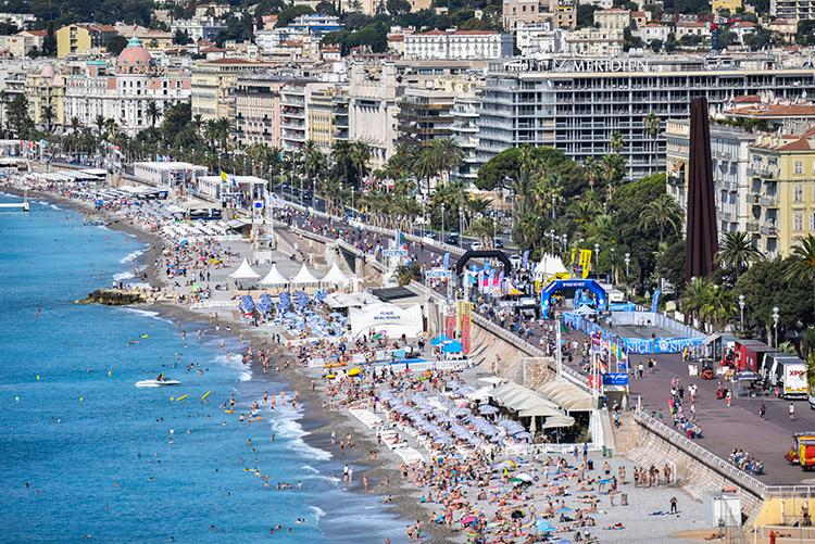 Le village départ vu des hauteurs de Nice...