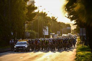 Le départ de la Haute Route à la sortie de Nice...