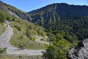 Le magnifique col de Sarenne franchit sur la Haute Route