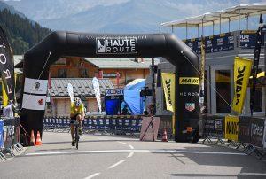 Une ligne d'arrivée commune pour la Haute Route et le Tour de l'Avenir...