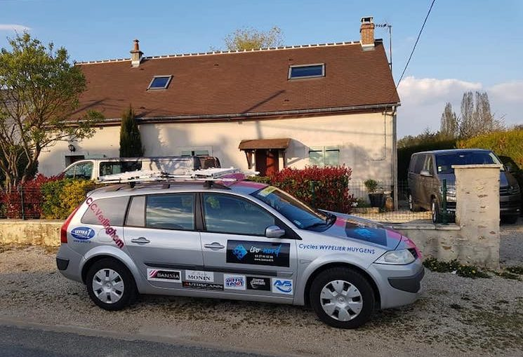 La voiture du CC Verlinghem aux Routes du Pays de Brie 2019
