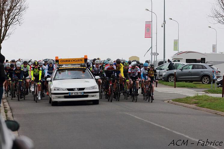 Départ de la course de Montdidier en 2 FFC