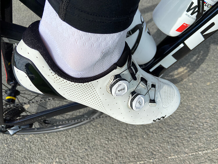 Les chaussures Bontrager XXX sont à la fois très rigides et confortables sur les longues sorties...